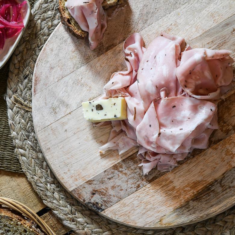 L'assiette de mortadelle à la truffe